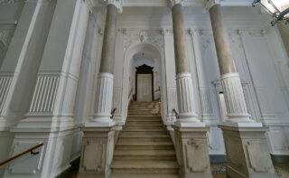 WINEGG-Makler-Eigentumswohnungen-Lehargasse-3-1060-Wien-Eingangsbereich